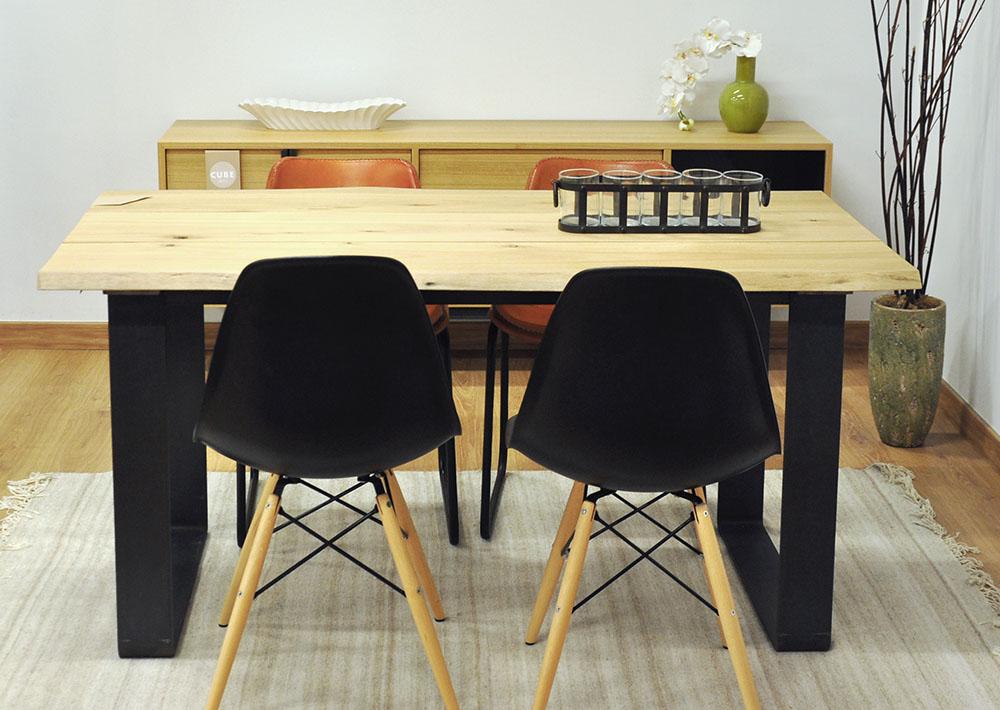 Mesa de comedor de madera maciza de eucalipto y patas de acero