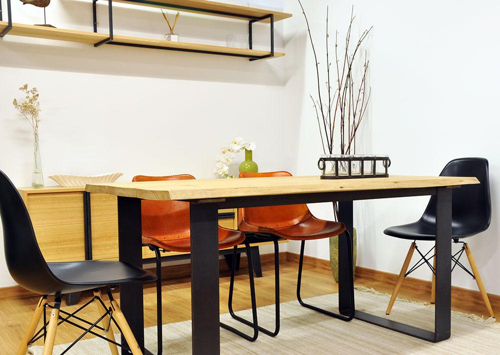 Mesa de comedor de eucalipto y acero